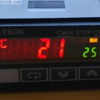 欧姆龙温度控制器E5GN-Q1P,12 VDC,21 mA,用于SSR PT100传感器