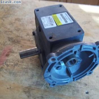 未使用的波士顿齿轮F721-5-B7-G蜗轮齿轮减速比5:1电机齿轮56C