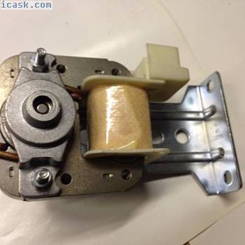 新BALLUFF BES M12MG-NSC80F-BV02 M12三线电感式接近开关