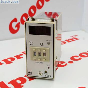 SKG Temperature Controller TE5E4 K Type 0-399°C CE 110/220VAC NIB